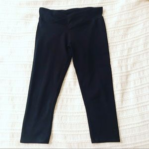 Fabletics Mid-rise powerhold crop